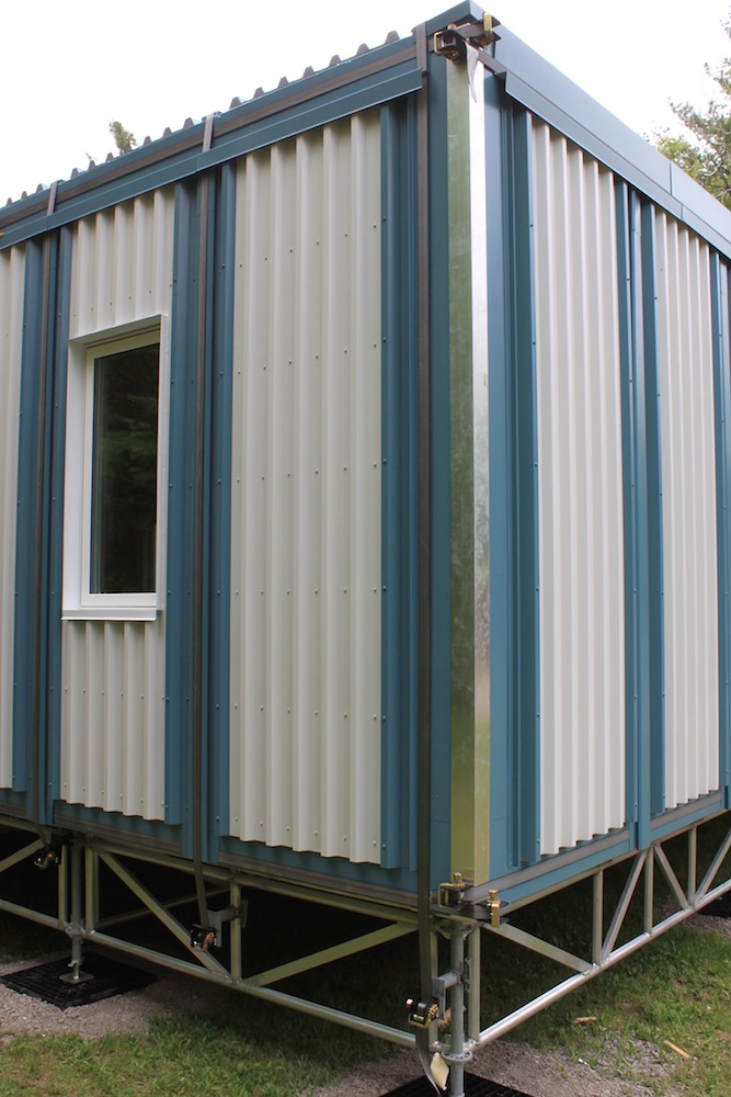 Arctic Housing, Low cost housing, pre-fabrication, vacuum insulation, SIP